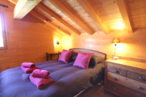 Chalet Marianne: top floor double bedroom