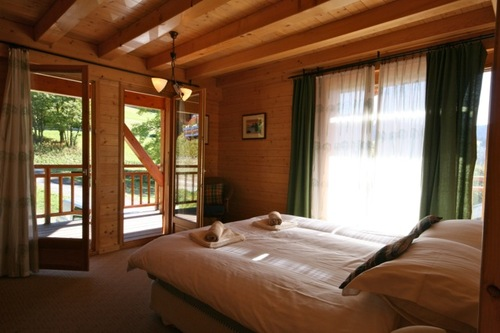 Chalet Quatre Saisons: master bedroom