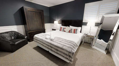Master bedroom with Kingbed.