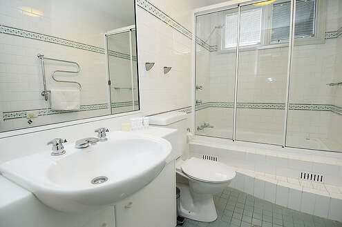 Main Bathroom in Aspect 2A