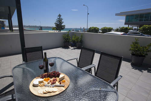 Mollymook Luxury Beachfront Apartment 3