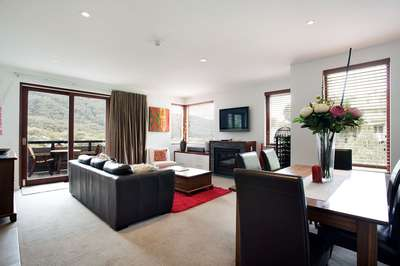 Thredbo Elevation  6 Lounge/ Dining