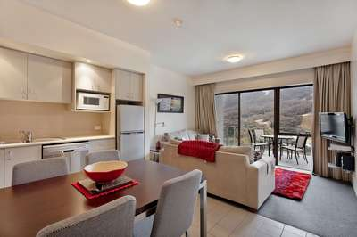 Thredbo Lantern 18- Balcony Lounge/ Dining