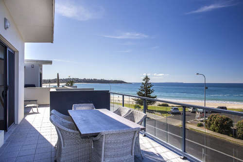 Mollymook Luxury Beachfront Apartment 10