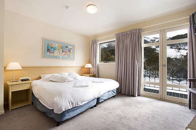 Thredbo Village Green Townhouse Bedroom