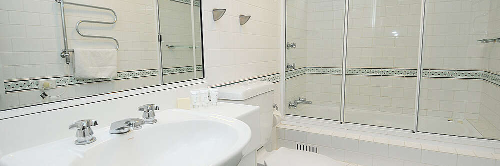 Main Bathroom in Aspect 2A