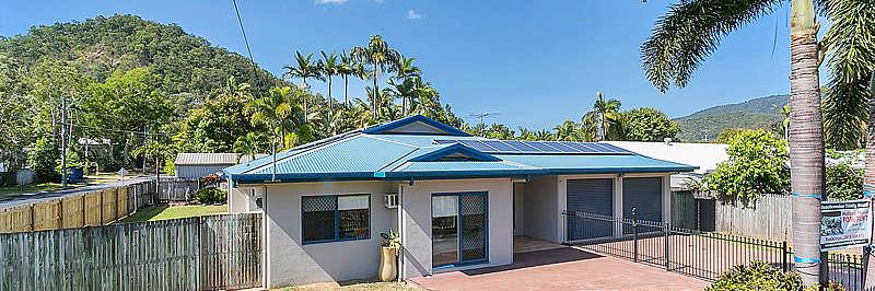 BeachComber House - Trinity Beach