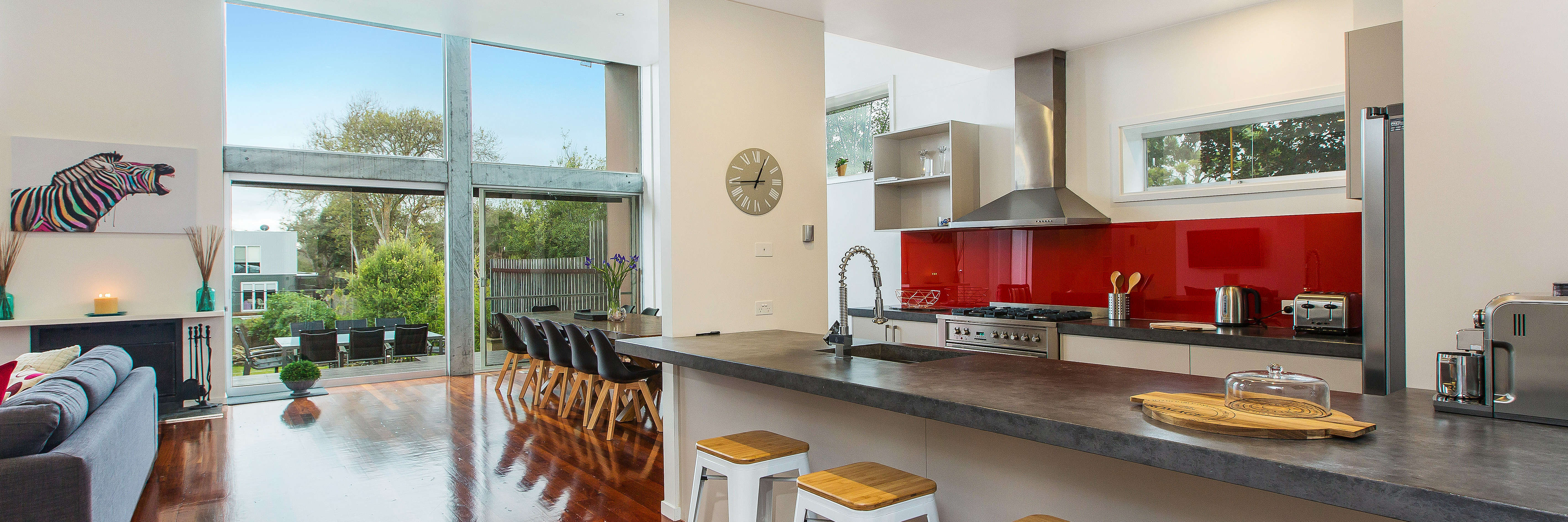 Blairgowrie Pool House - family luxe retreat