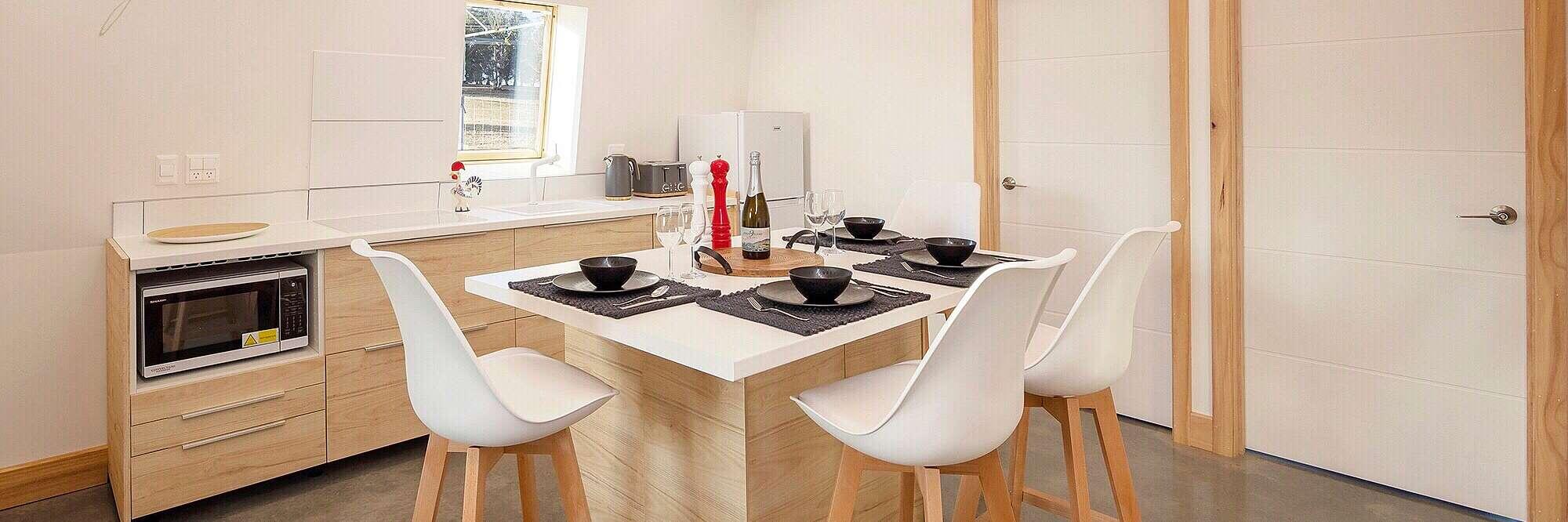 Modern dinning kitchen