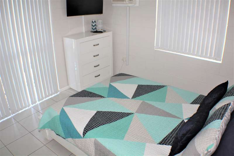 Malibu Apartments #6