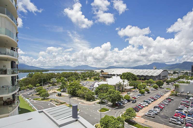 City Quays Cairns City - Hotel Room
