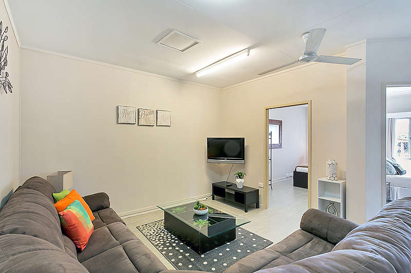 Inner City Executive Rooms - Room 5