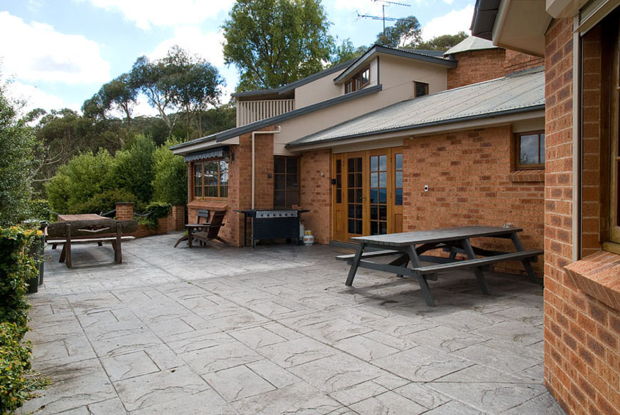 Outdoor alfresco dining and BBQ area