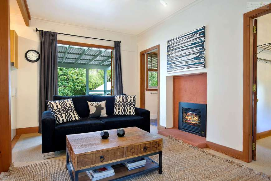 Living area | gas fireplace