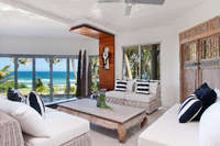 Absolute Beachfront - Sunshine Beach