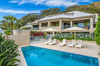 Iluka 2 Bed Apartment - Waterside Retreat