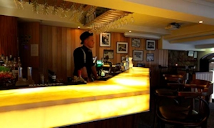 The Apres Bar, Denman Hotel